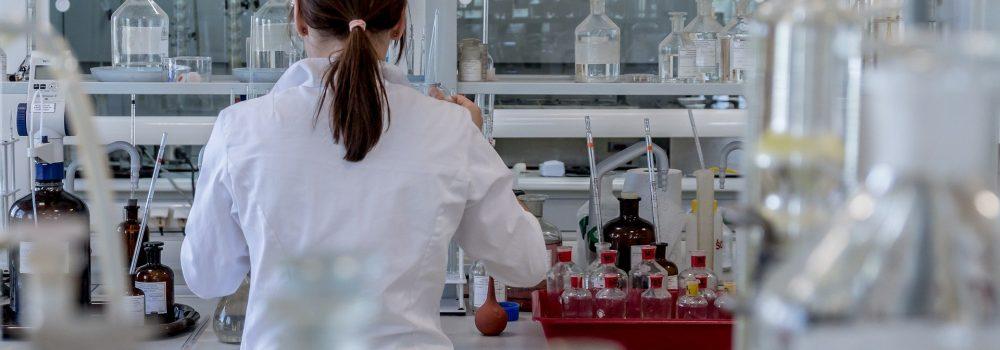 Εναλλακτικές θεραπείες για τον καρκίνο | Στα σαγόνια του μεγαλοκαρχαρία